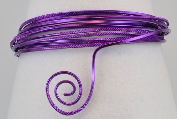 Aluminium wire triangle embossed 2,8mmx5m lilac